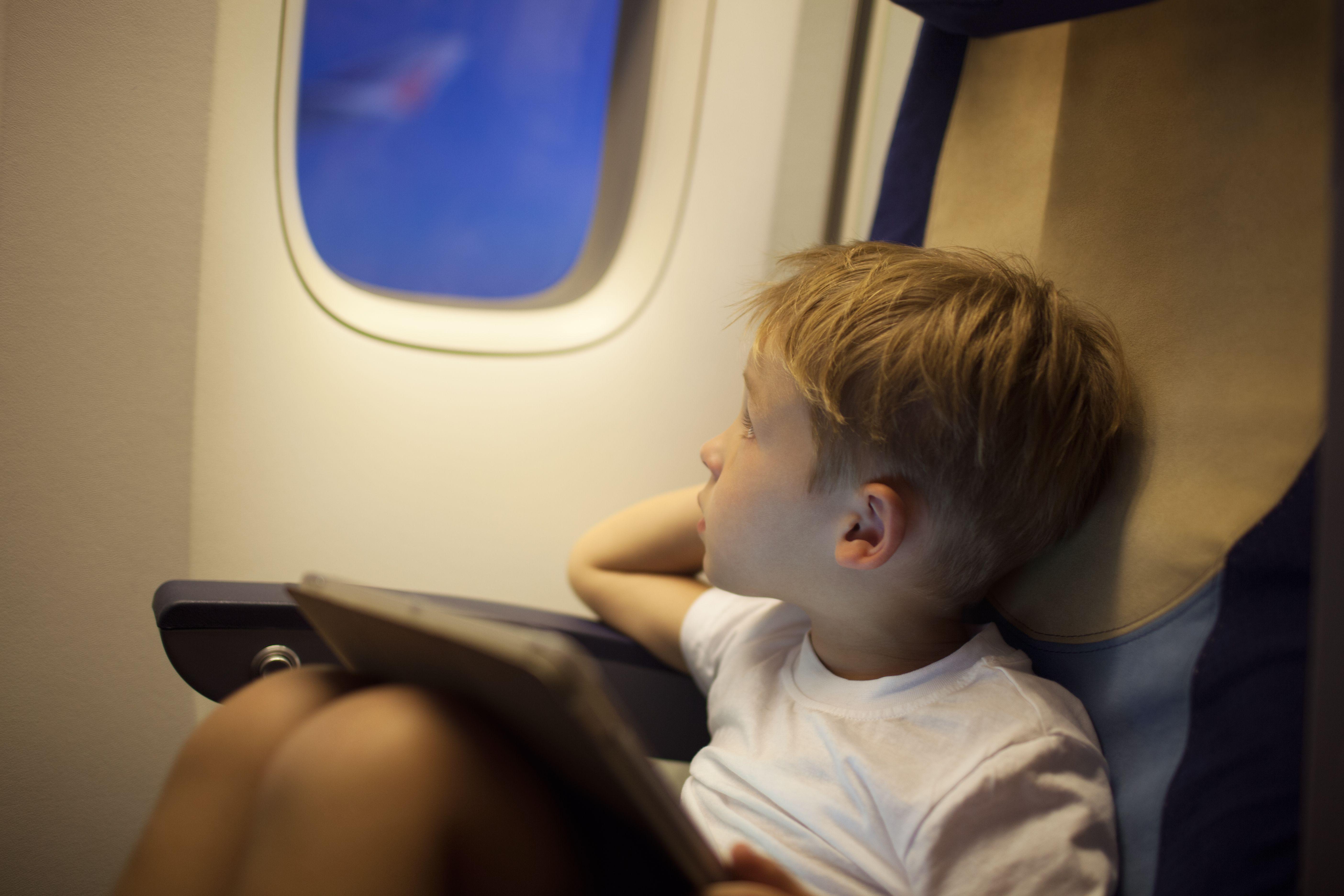 Cómo viajar en avión por primera vez: claves y consejos