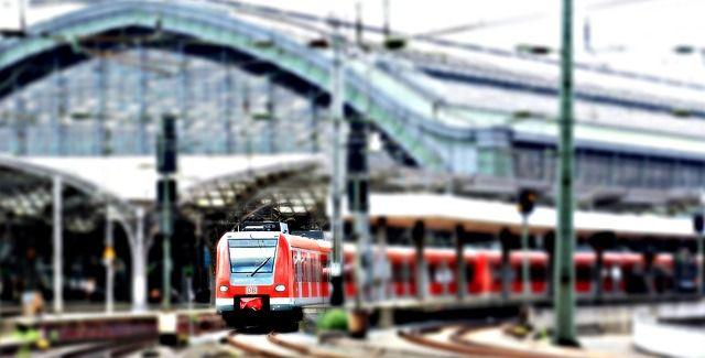 Ventajas e inconvenientes de viajar en tren en todo tipo de recorridos
