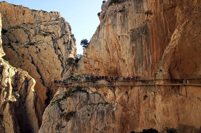 Cuáles son las mejores rutas de senderismo en España